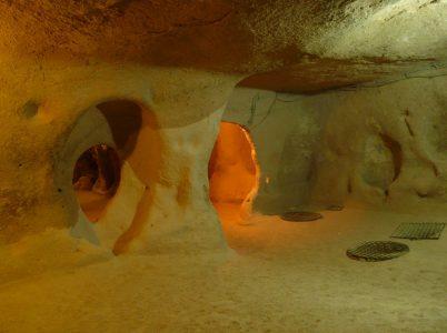 L'antica città sotterranea Derinkuyu fu costruita per proteggere l'umanità?